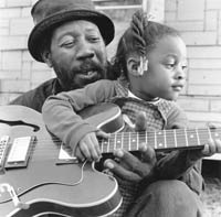 RL Boyce and his daughter Shanquisha, Como, MS, 2001 Photo Yancey Allison